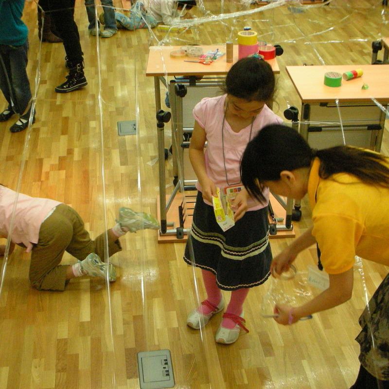 2008年10月19日(日)<br>「セロハンテープで空間づくり」in東大