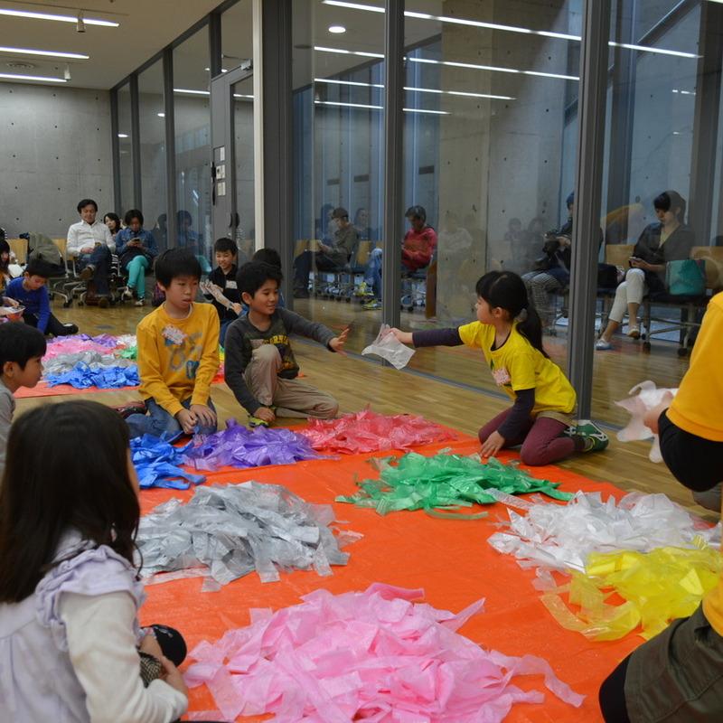 2015年4月19日(日)<br>「ニセモノの手で○○をにぎる」<br>(小学生クラス)in東大