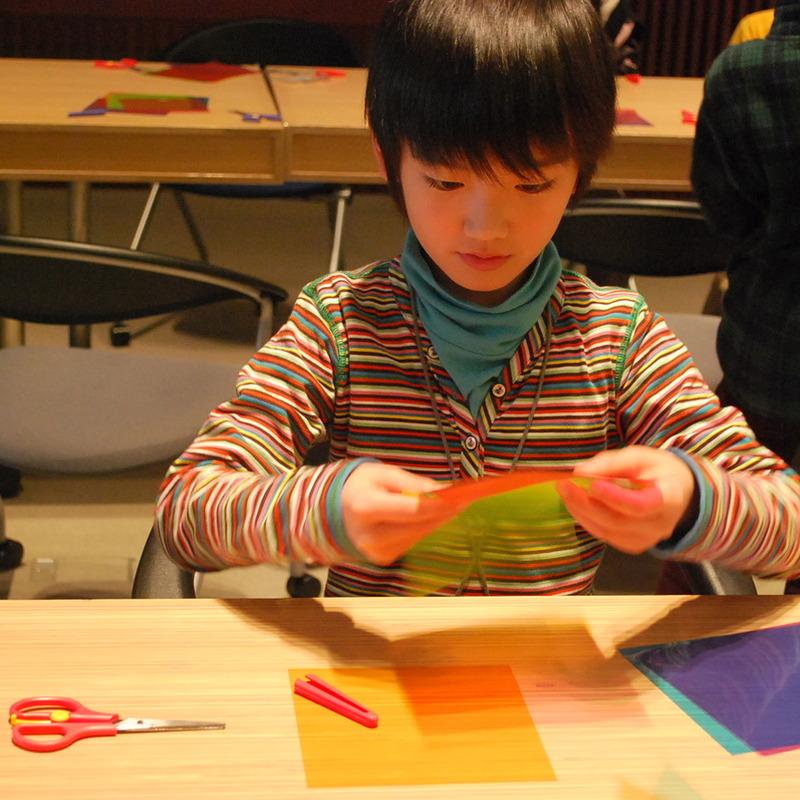 2010年12月26日(日)<br>「ヒカリでつくる」<br>(小学生クラス)in慶應三田
