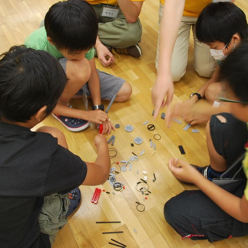 サマーキャンプ2013 プログラミング講座in東大本郷「動くおもちゃをつくろう!」2013年8月12日(月)~8月14日(水)