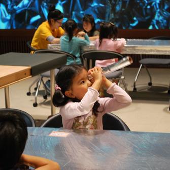 2010年5月23日(日)<br>「アルミホイルのアフリカ」<br>(幼児クラス)in慶應三田