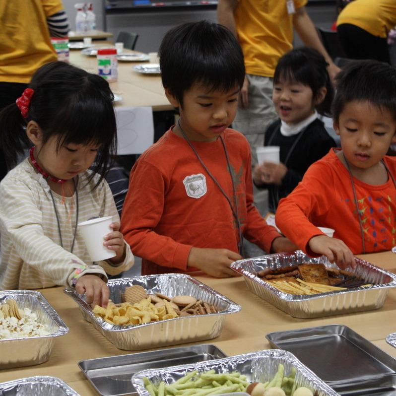 2009年10月25日(日)<br>「お菓子の絵」<br>(幼児クラス)in慶應日吉