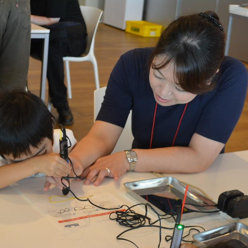 2015年10月4日(日)<br>「3Dペンでメガネをつくって大ヘンシン!」<br>(幼児クラス)in渋谷