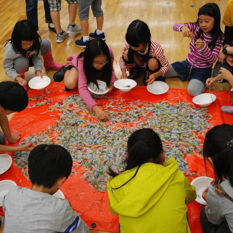 2013年10月20日(日)<br>「カラークリップの造形」<br>(小学生クラス)in東大