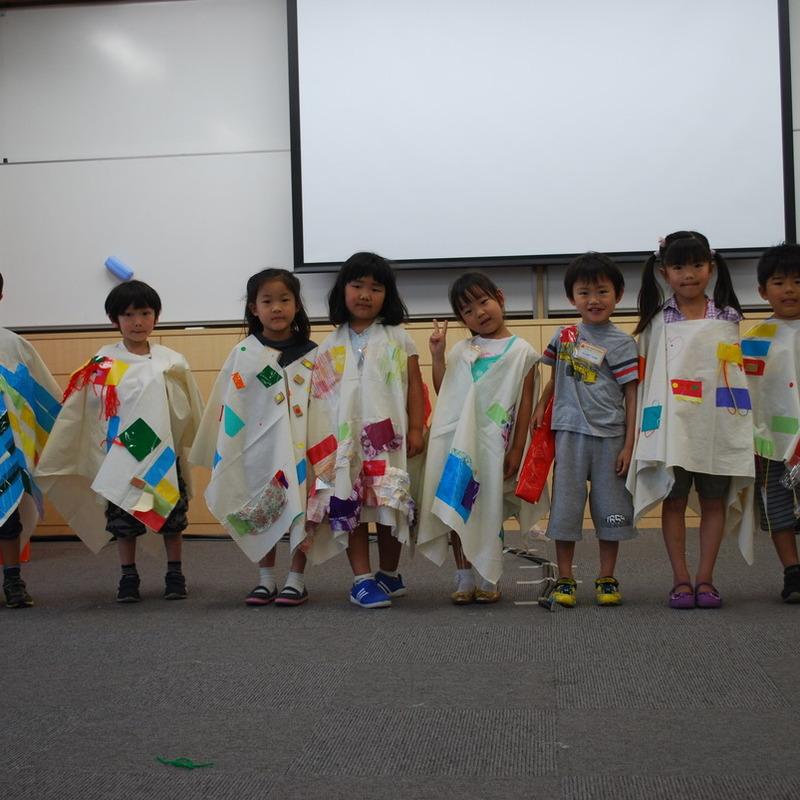 2012年5月27日(日)<br>「おおきなふくをつくる」<br>(幼児クラス)in慶應日吉