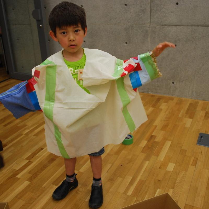 2012年5月20日(日)<br>「大きなふくをつくる」<br>(小学生クラス)in東大