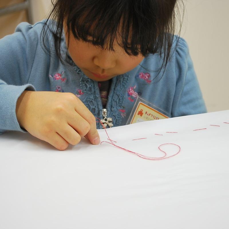 2012年12月16日(日)<br>「ステッチでぬいぬい模様」<br>(小学生クラス)in東大