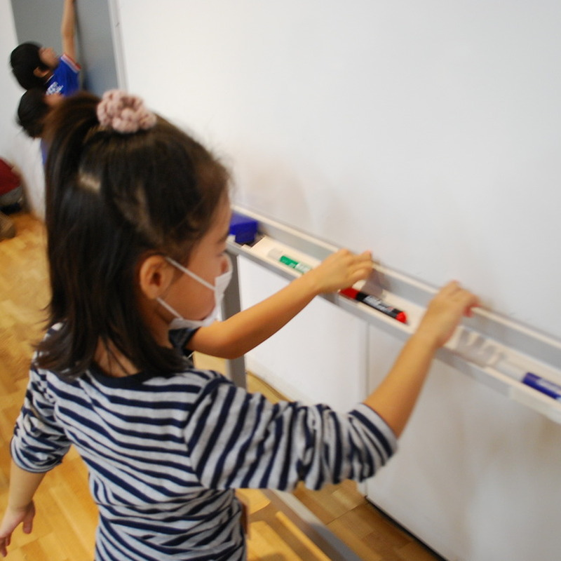 2011年11月20日(日)「さわるサウンド -こする・なでる・さする-」(幼児クラス)in東大