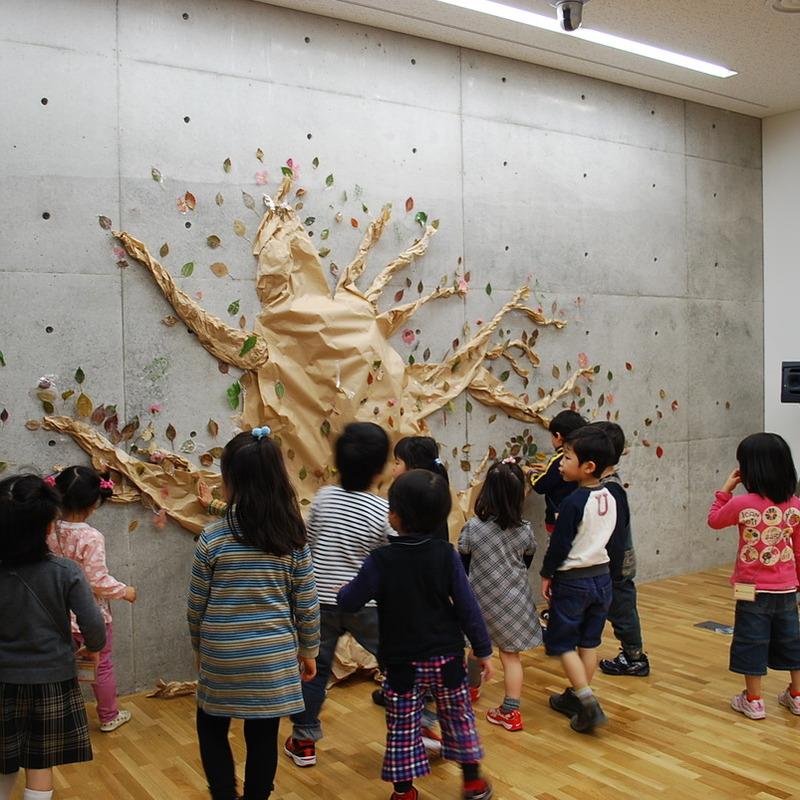 2010年4月18日(日)<br>「みんなの大きな木づくり」<br>(幼児クラス)in東大