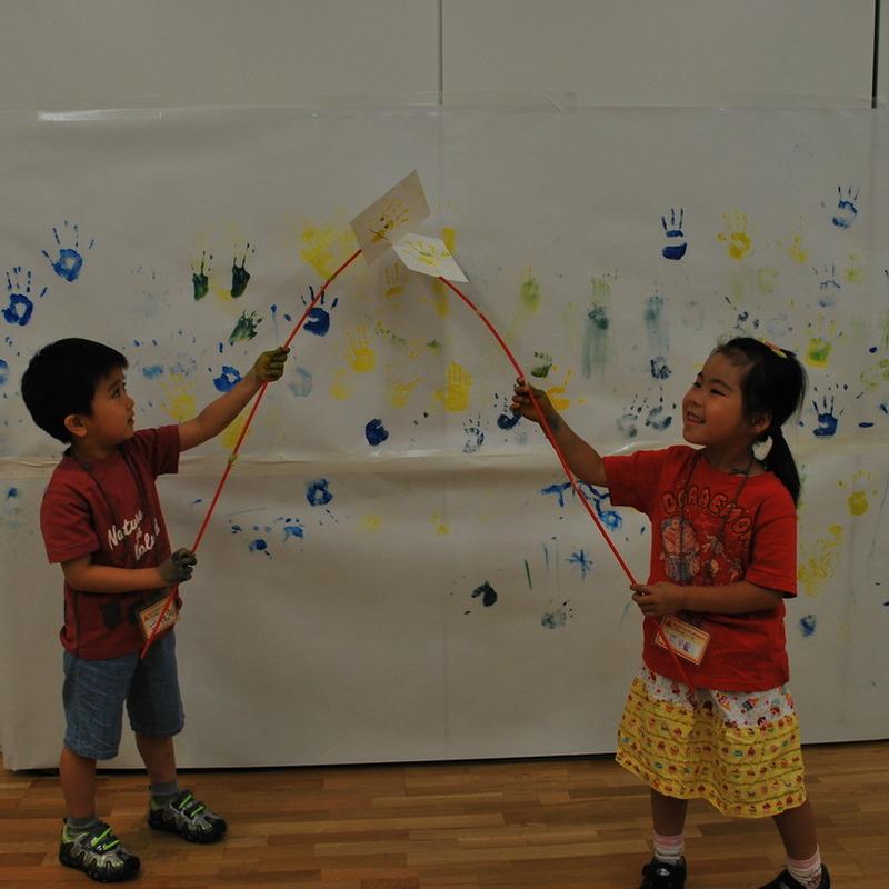 2010年7月18日(日)<br>「指でぺたぺたお絵かき」<br>(幼児クラス)in東大