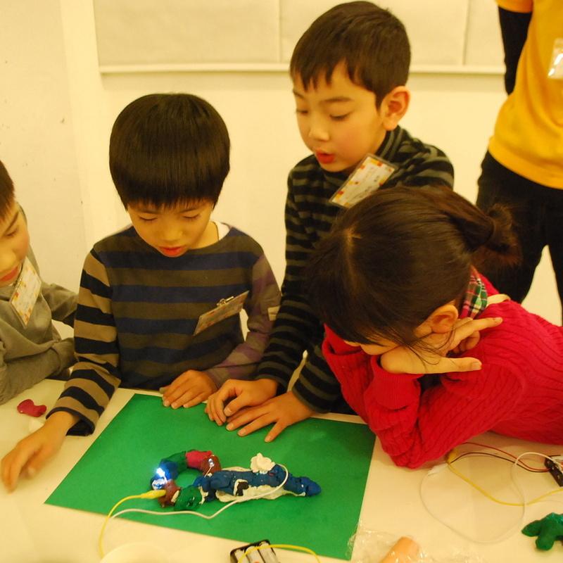 2016年12月18日(日)「ねんどと電球でつくる!オリジナル電子回路」(小学生クラス)in代官山