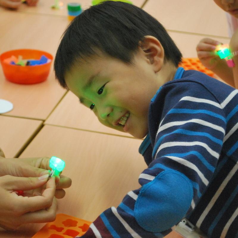 2017年9月23日(土)「光るオリジナルLEDをつくろう」(幼児クラス)in東大本郷